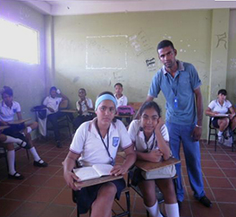 Elías and his students Colombia