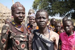 Displaced people in Gumuruk from Pibor town by Hannah McNeish