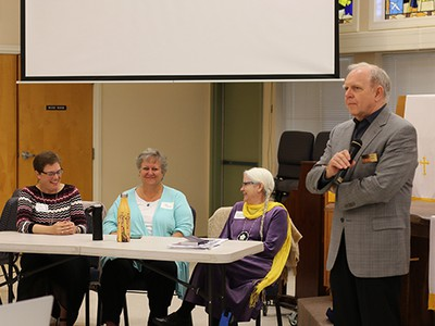 Lyman Smith (right), dir. of Presbyterian Federal Chaplaincies, opens the forum, which included the Rev. Cindy Kohlmann, Co-Moderator of the 223rd General Assembly (2018); Dee Cooper, interim exec. presbyter of Heartland Presbytery; & Annamae Taubeneck, VA chaplain & military veteran.