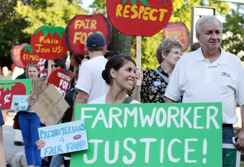 Presbyterians have been accompanying the farmworkers in annual Truth Tours for more than a decade. This previous tour, organized by the Coalition of Immokalee Workers and allies, included members from the Covenant Presbyterian Church of Athens.