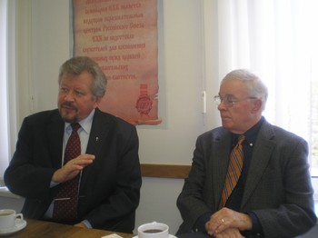 Peter Mitskevich (left), president of Moscow Theological Seminary, and Ian Chapman, chair of the seminary's trustees discuss the growth of the seminary and of the church in Russia.