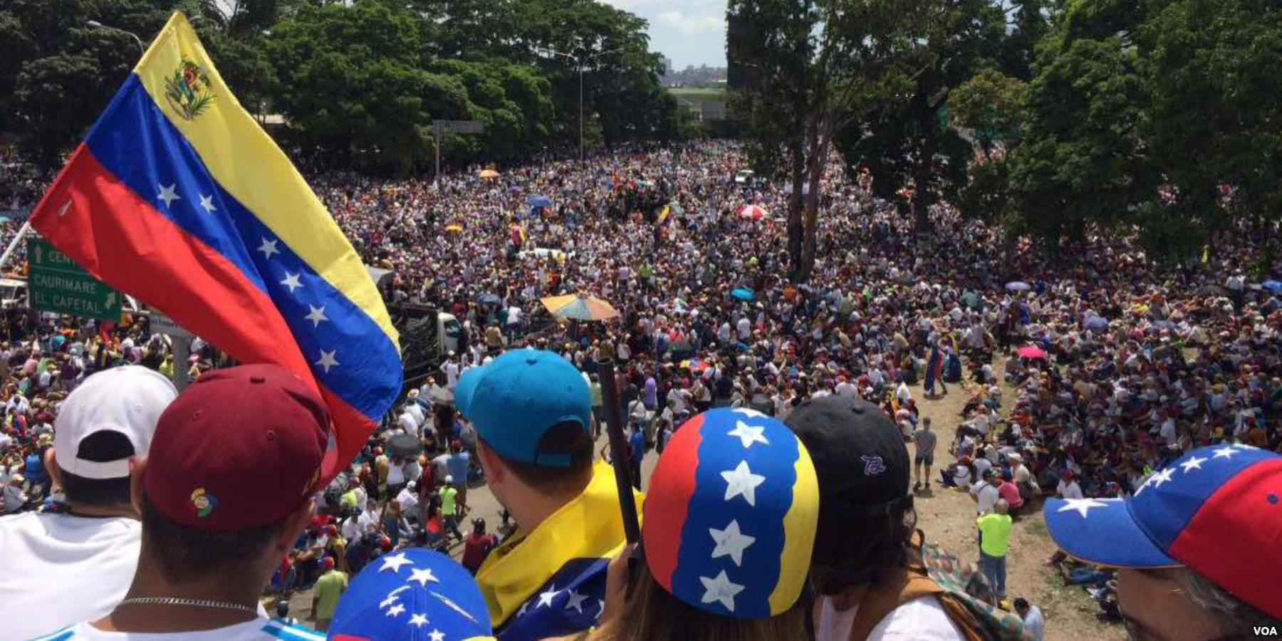 Millions of Venezuelans marching on May 20, 2017 during the We Are Millions march. - Voice of America